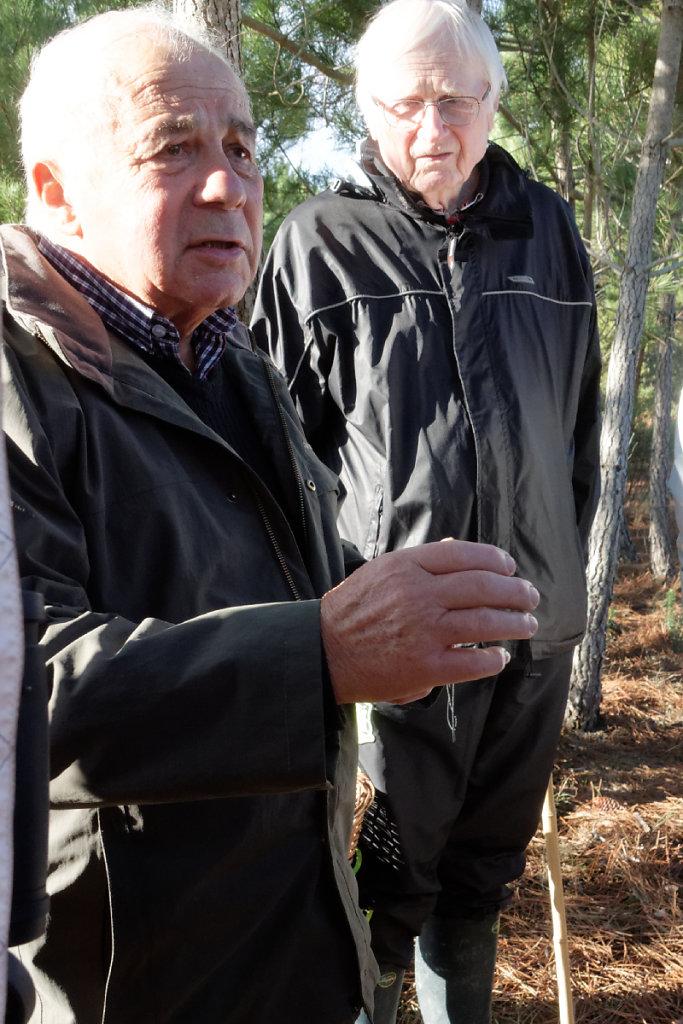 Deux éminents spécialistes des champignons